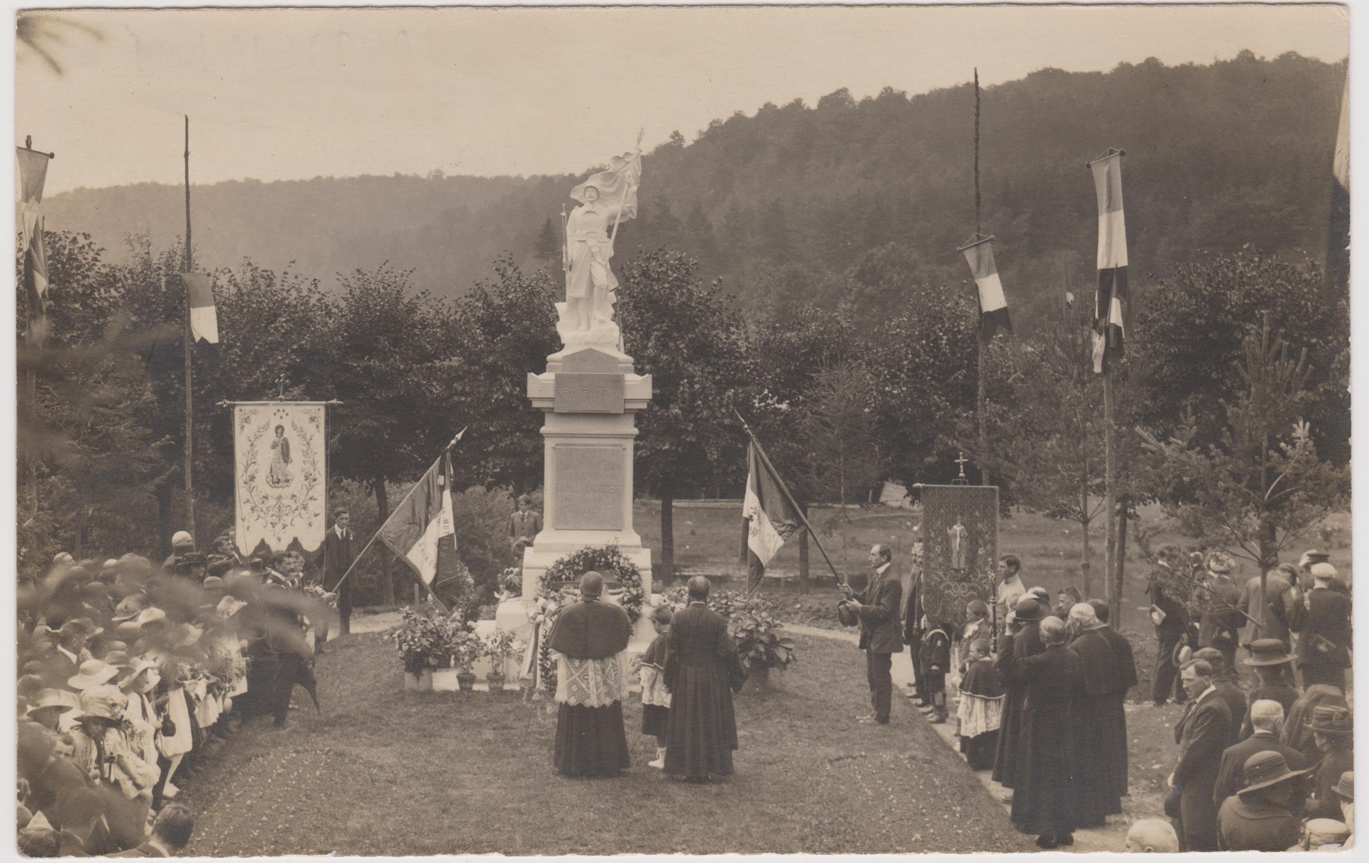 inauguration-du-monument-aux-morts-de-doulaincourt
