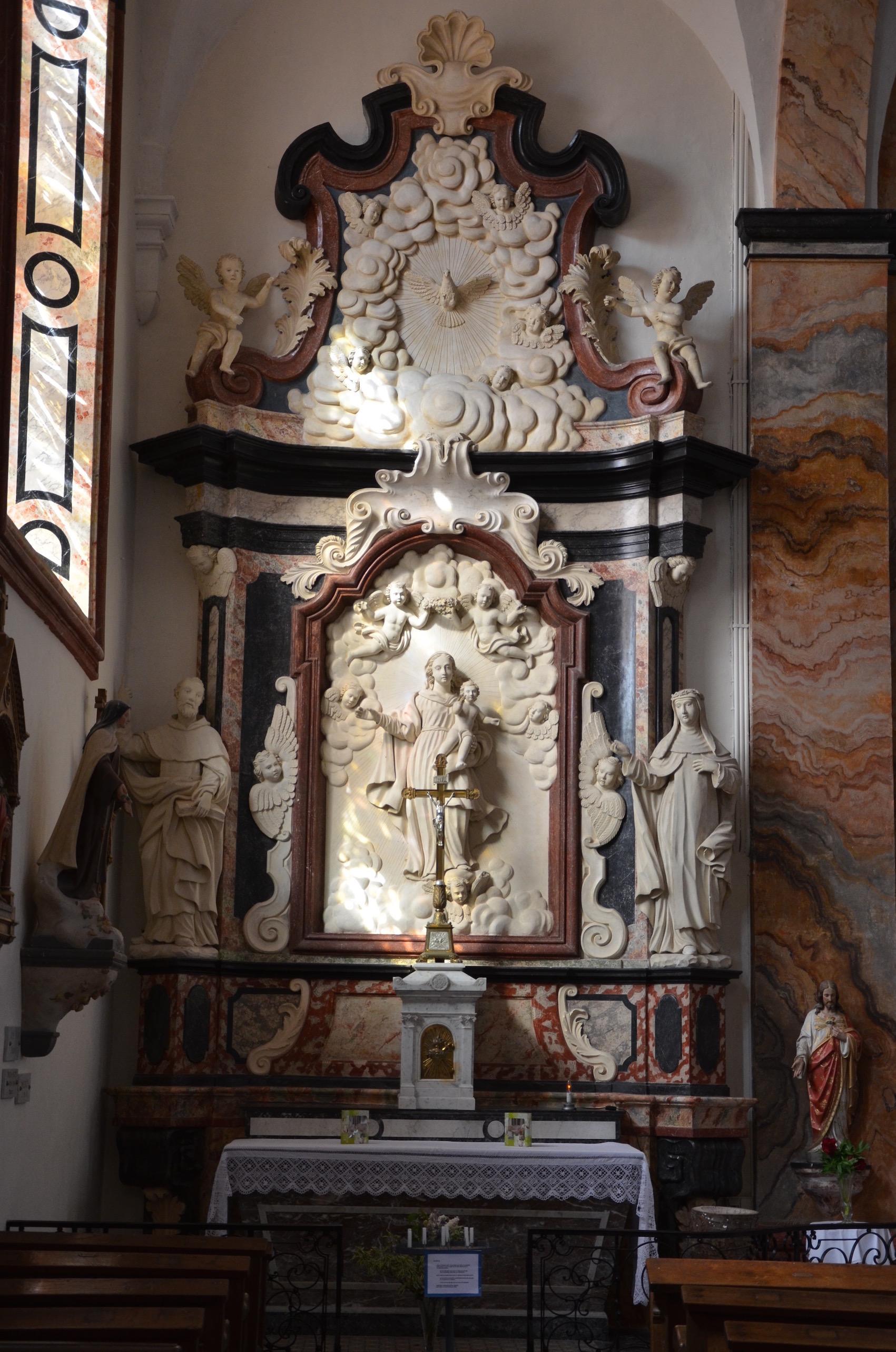 le-retable-de-la-chapelle-laterale-gauche